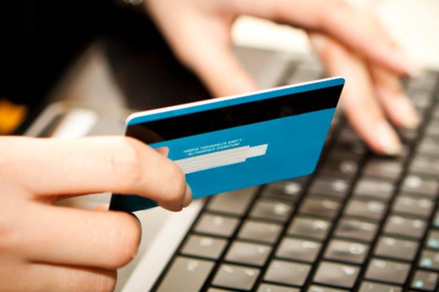 Ecommerce, la Polizia Postale blocca 49 siti di vendita online truffa