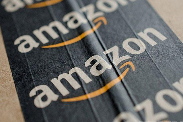 """Amazon, multa da 300 mila euro dall'Agcom: """"Svolge abusivamente attività postale"""""""